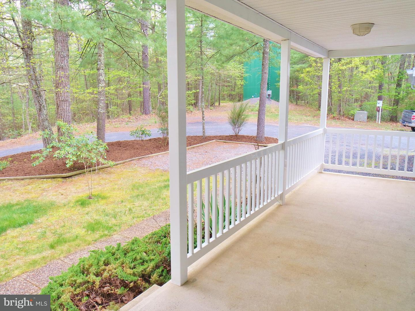 Single Family for Sale at 122 Forrest St Basye, Virginia 22810 United States