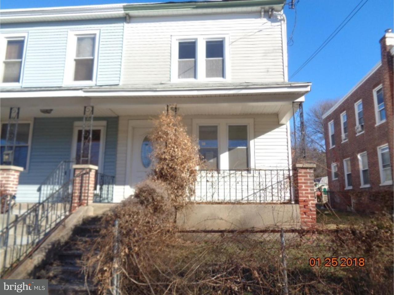Таунхаус для того Продажа на 218 10TH Street Upland, Пенсильвания 19015 Соединенные Штаты