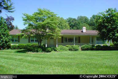 Single Family Home for Sale at 1023 Utterback Store Road 1023 Utterback Store Road Great Falls, Virginia 22066 United States