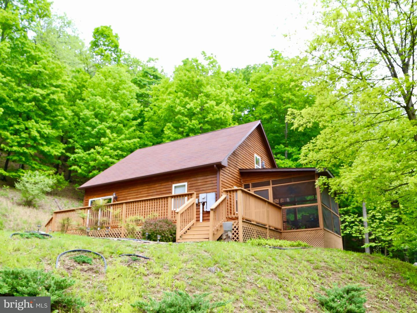 Single Family for Sale at 553 Warden Lake Ab Dr Wardensville, West Virginia 26851 United States