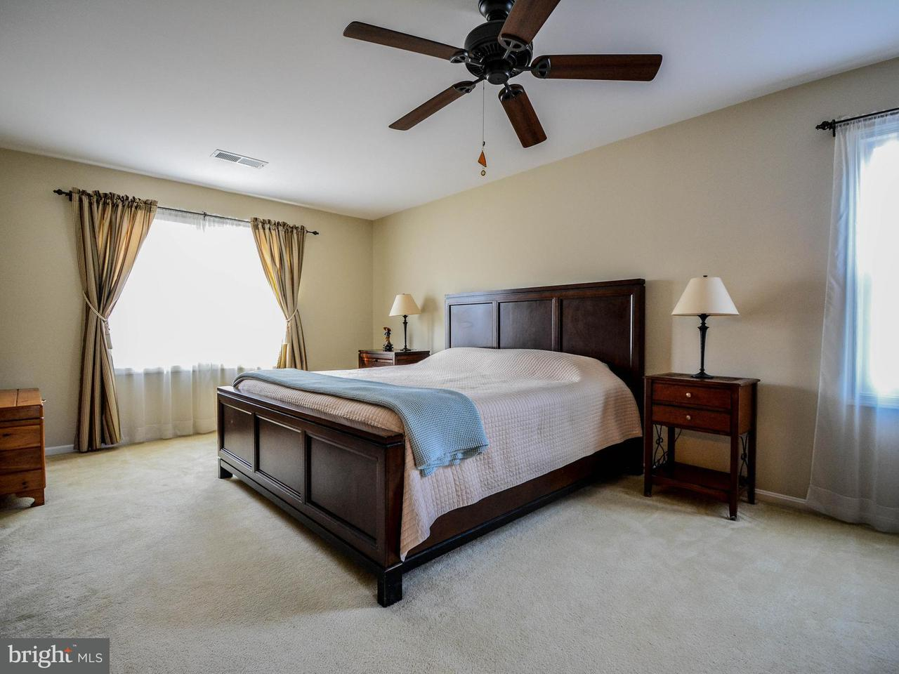 Additional photo for property listing at 11809 Grey Birch Place 11809 Grey Birch Place Reston, Virginia 20191 Verenigde Staten