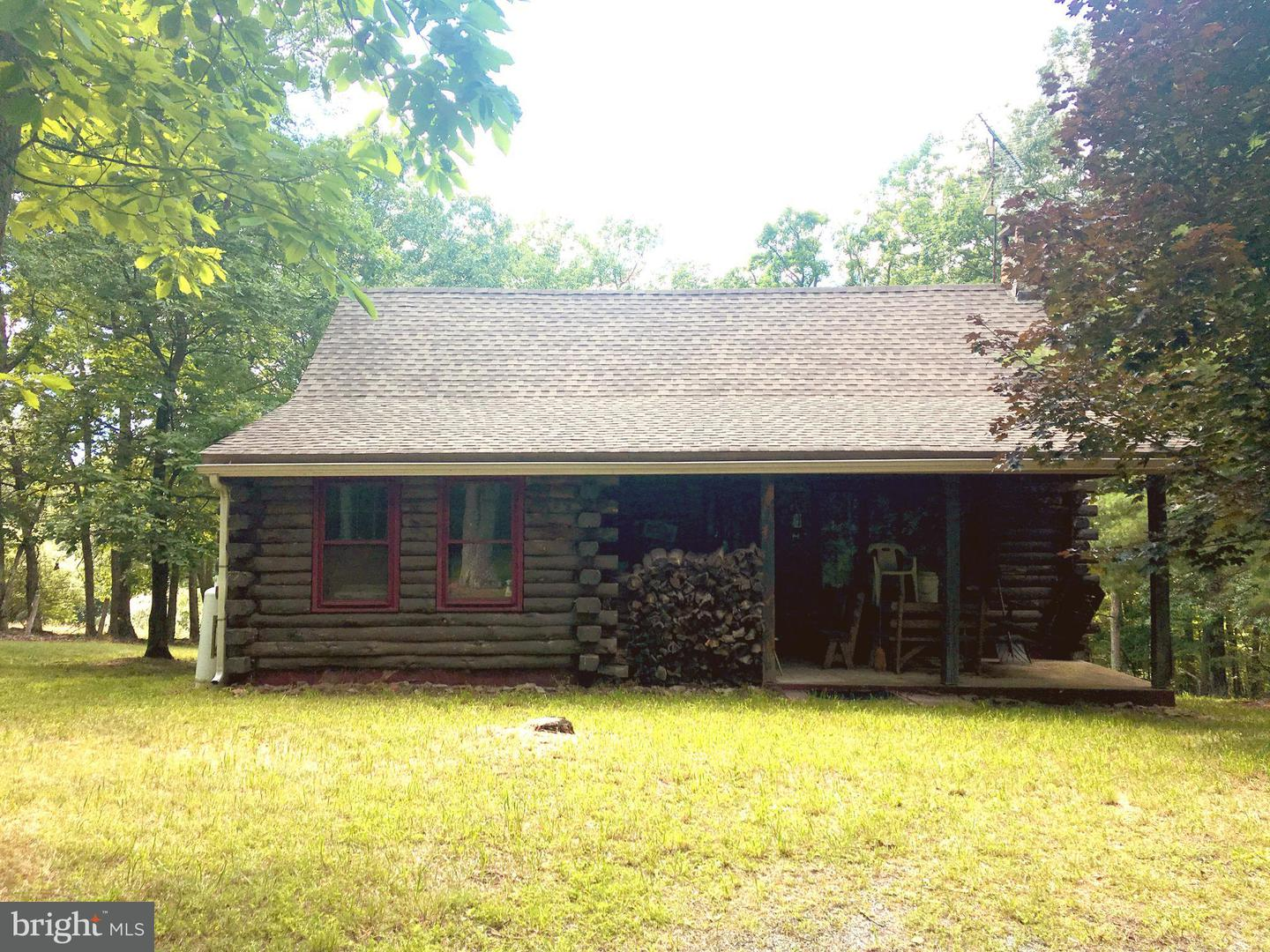Single Family for Sale at 299 Pine Hill Rd Artemas, Pennsylvania 17211 United States