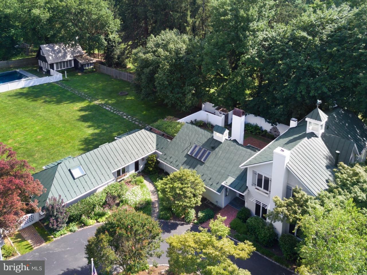 Casa Unifamiliar por un Venta en 206 SUGARTOWN Road Devon, Pennsylvania 19333 Estados Unidos