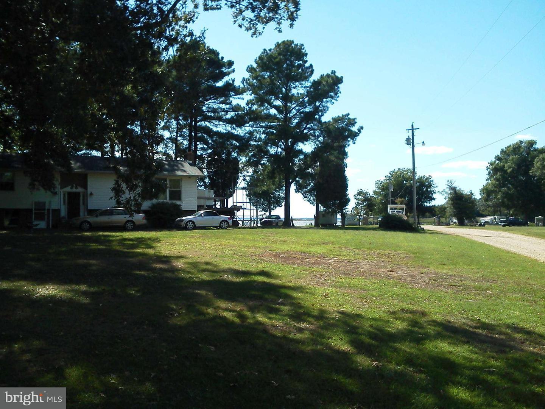 Single Family for Sale at 13045 Saunders Marina Pl Newburg, Maryland 20664 United States
