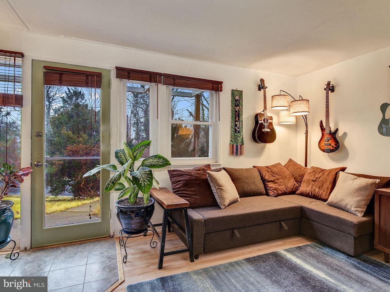 Частный односемейный дом для того Продажа на 8 Froude Circle 8 Froude Circle Cabin John, Мэриленд 20818 Соединенные Штаты