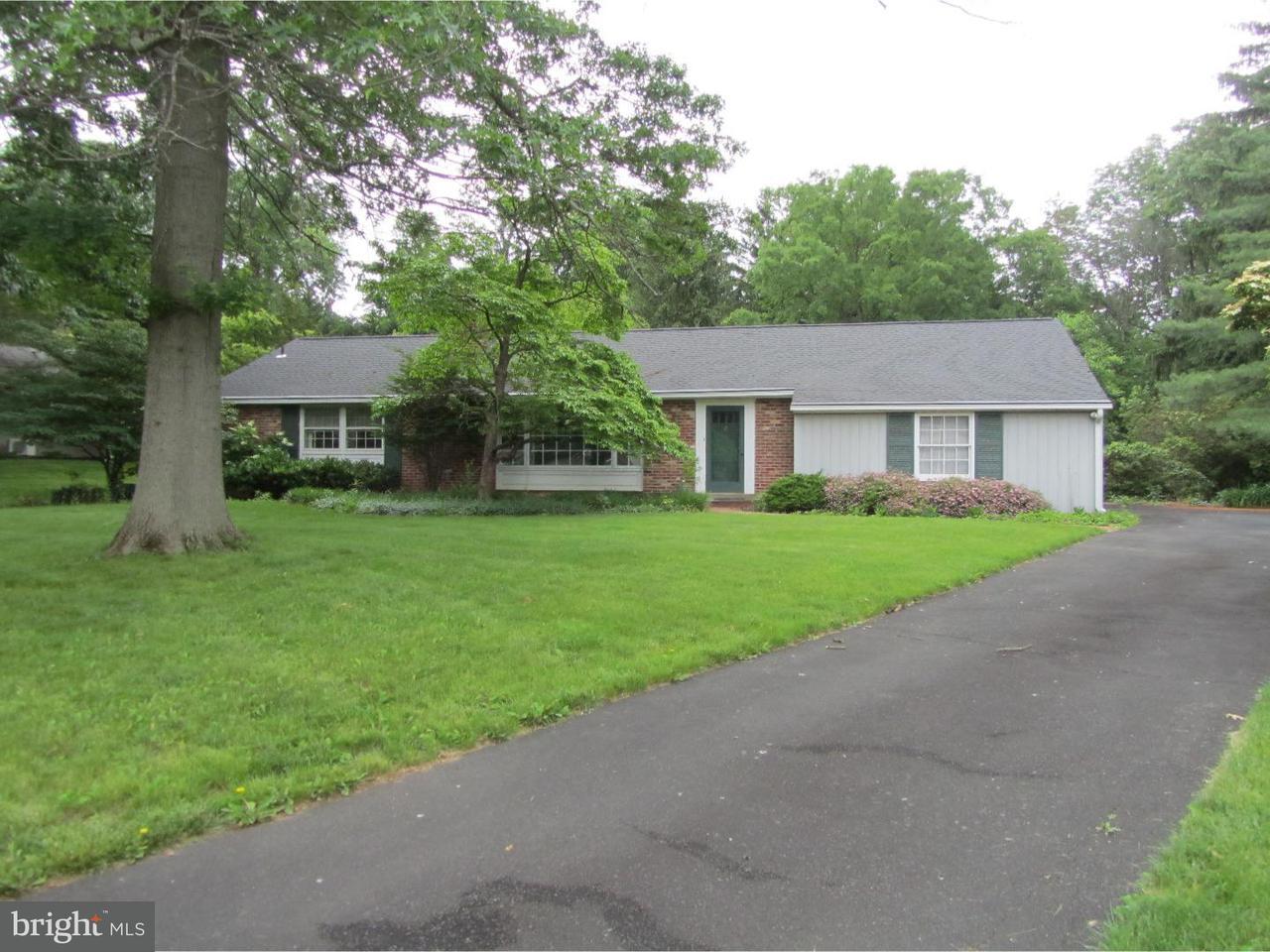 Maison unifamiliale pour l Vente à 827 JUNIPER Drive Lafayette Hill, Pennsylvanie 19444 États-Unis