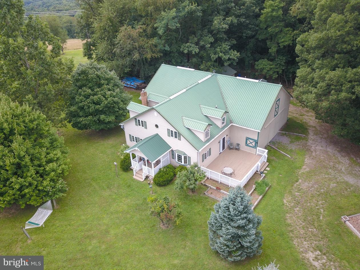Single Family for Sale at 132 Avonlea Farm Lane Levels, West Virginia 25431 United States
