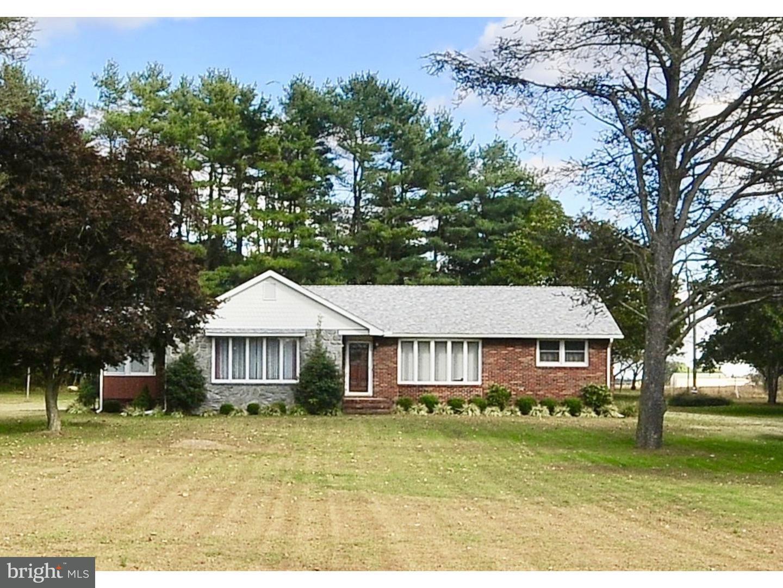 Частный односемейный дом для того Продажа на 412 GARRISON Road Millville, Нью-Джерси 08332 Соединенные Штаты