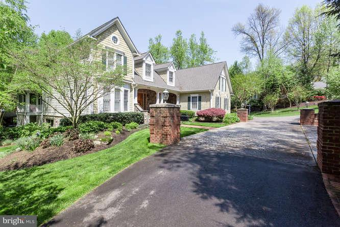 Single Family Home for Sale at 3120 Beechwood Lane 3120 Beechwood Lane Falls Church, Virginia 22042 United States