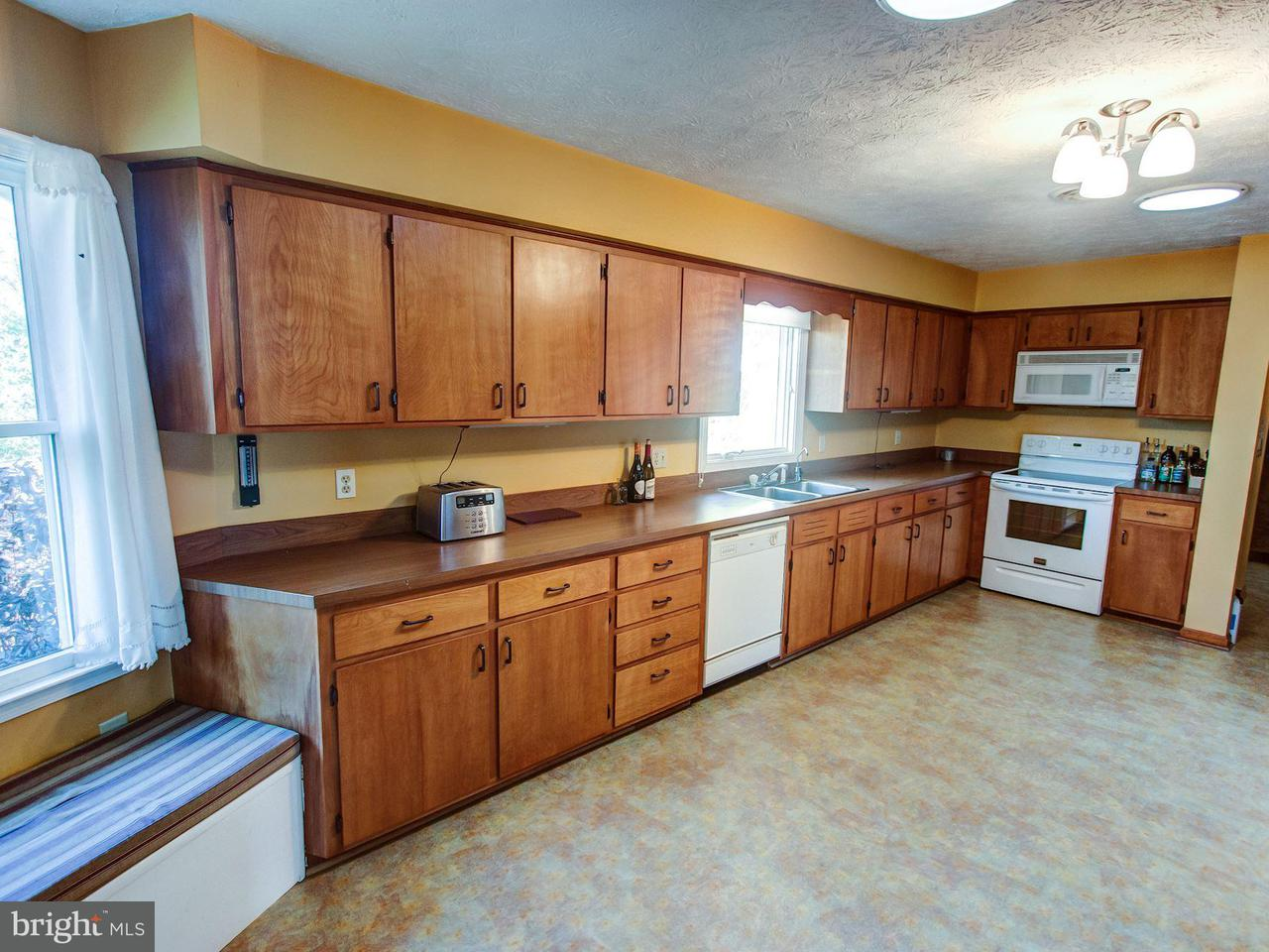 Additional photo for property listing at 1635 Riverview Dr  Toms Brook, Virginia 22660 United States