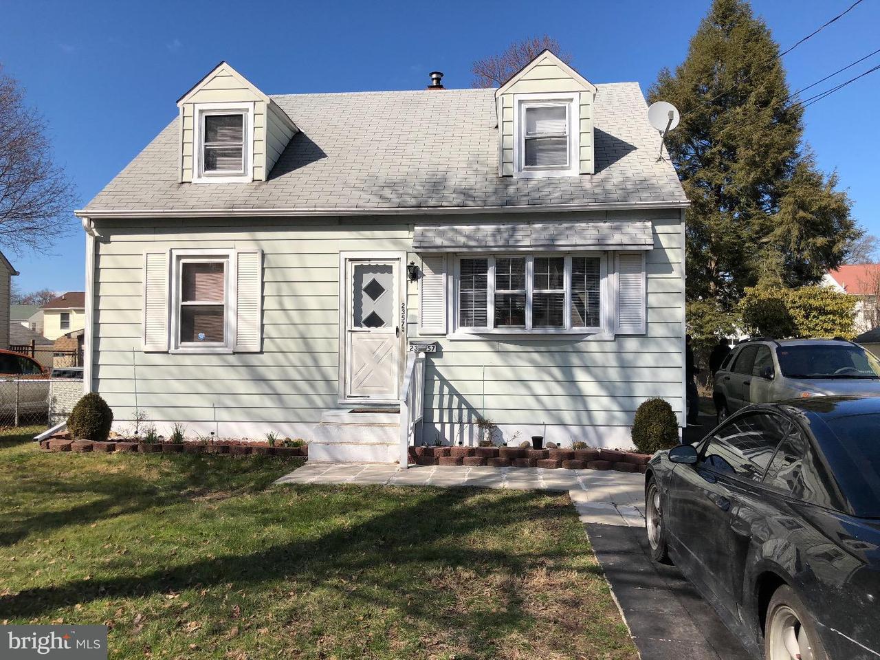 Casa Unifamiliar por un Venta en 2357 DIXON Avenue Croydon, Pennsylvania 19021 Estados Unidos