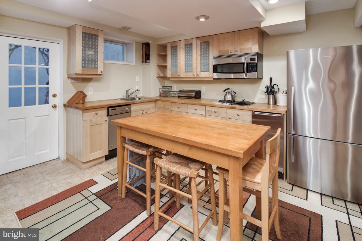 Additional photo for property listing at 5736 26th St Nw 5736 26th St Nw Washington, Округ Колумбия 20015 Соединенные Штаты