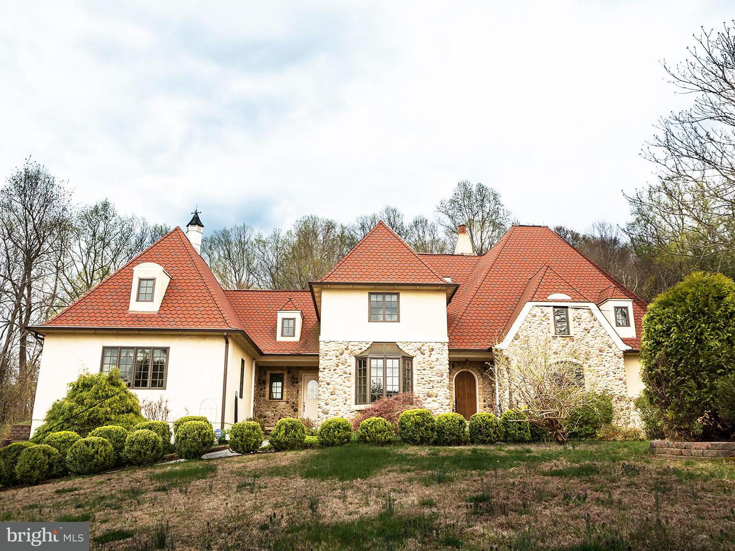 Single Family for Sale at 66 Yancey Rd Woodville, Virginia 22749 United States