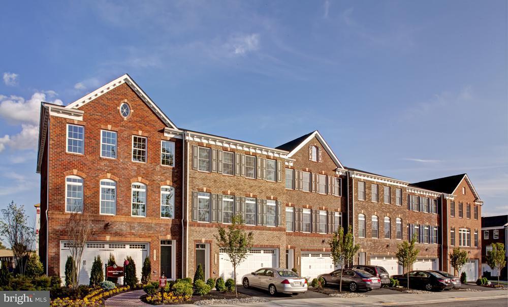 联栋屋 为 销售 在 1026 Mutual Place 1026 Mutual Place Sandy Spring, 马里兰州 20860 美国