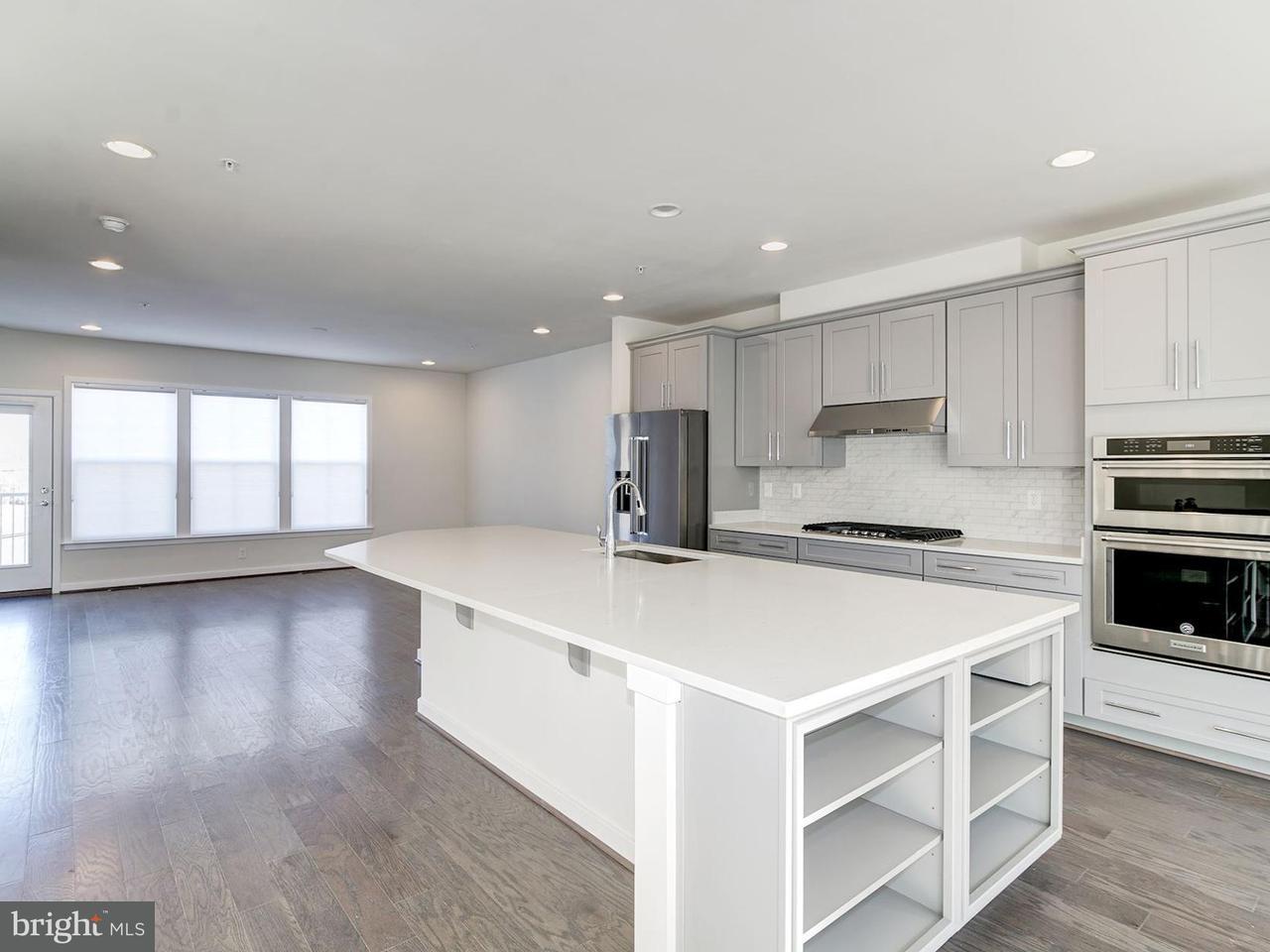 Additional photo for property listing at 10724 Viognier Ter 10724 Viognier Ter Fairfax, Виргиния 22030 Соединенные Штаты