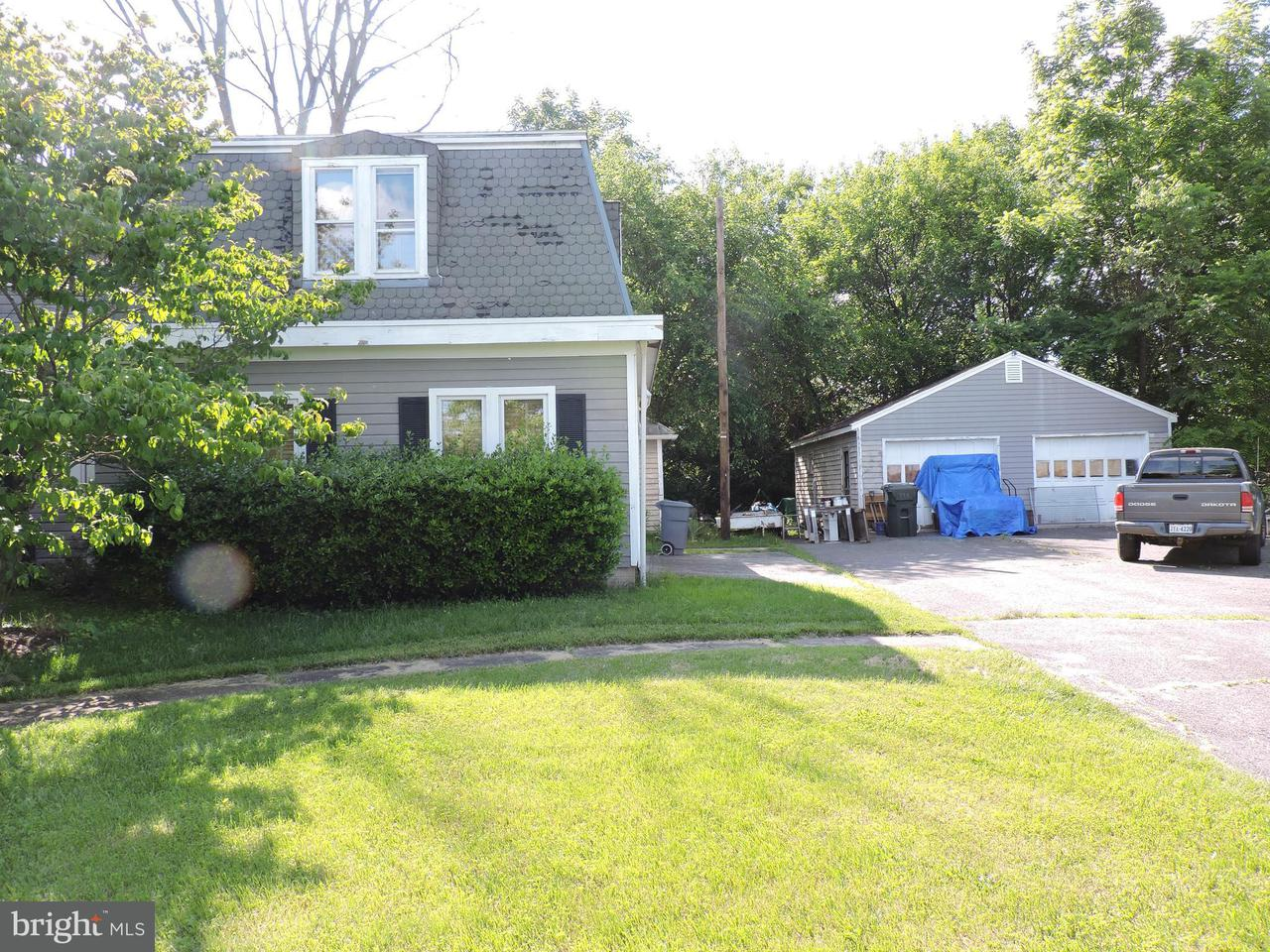 Additional photo for property listing at 21819 Ashburn Road 21819 Ashburn Road Ashburn, Virginia 20147 United States