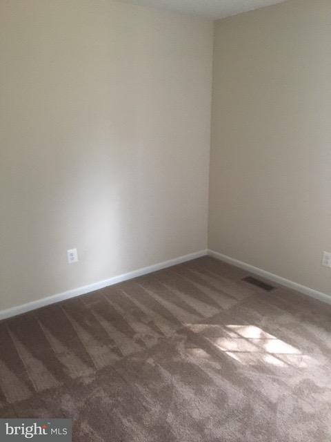 Additional photo for property listing at 755 Barbaralynn Place 755 Barbaralynn Place Herndon, Virginia 20170 Estados Unidos