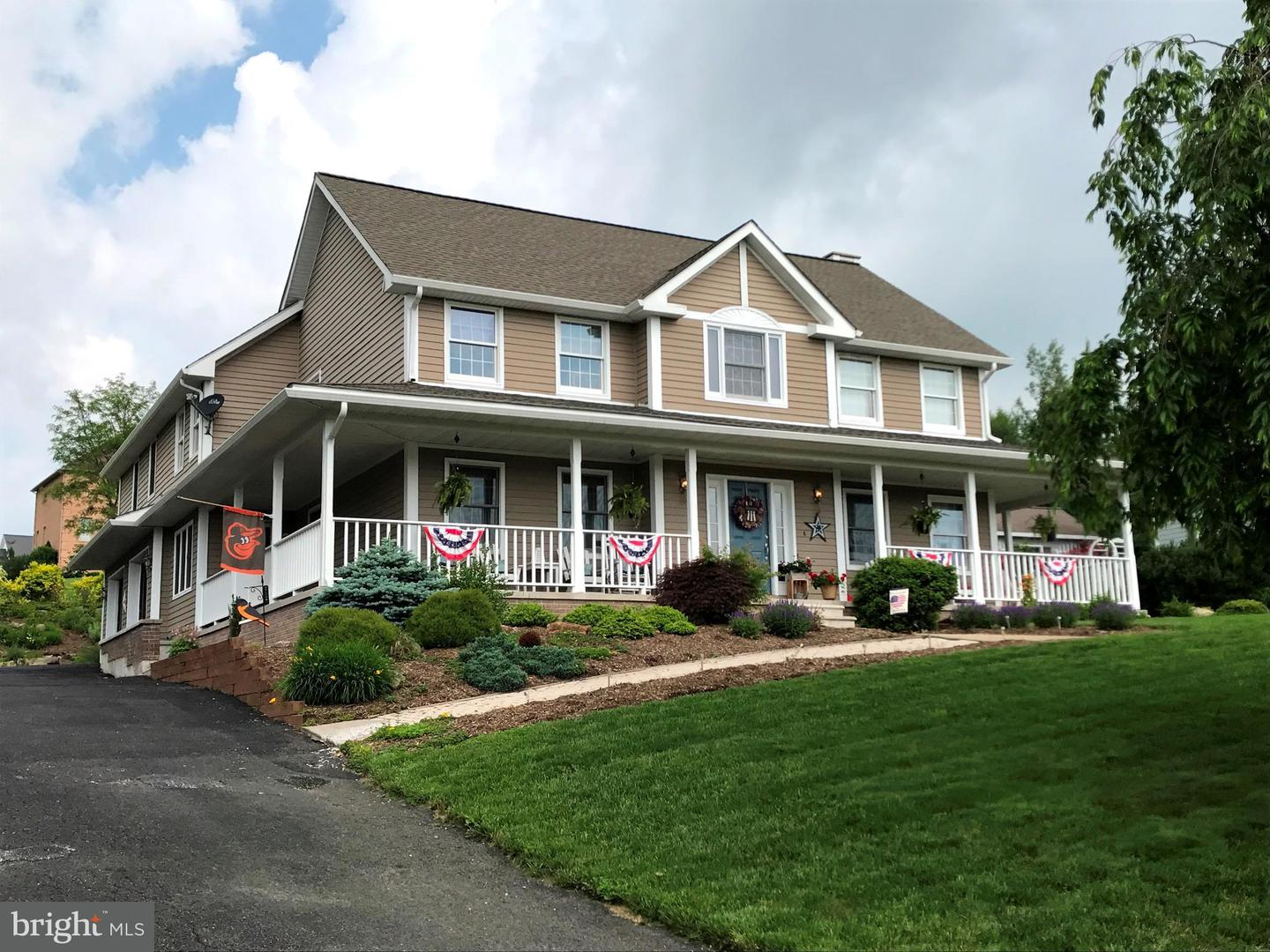 Single Family for Sale at 412 Crestview Dr Frostburg, Maryland 21532 United States