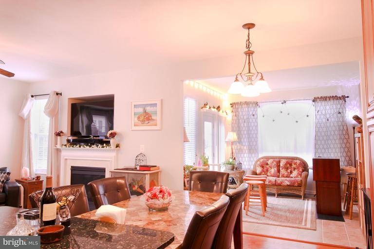 Colorful Dining Room And Living Room Combined Ensign - Living Room ...