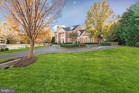 Single Family Home for Sale at 9400 Crimson Leaf Ter 9400 Crimson Leaf Ter Potomac, Maryland 20854 United States