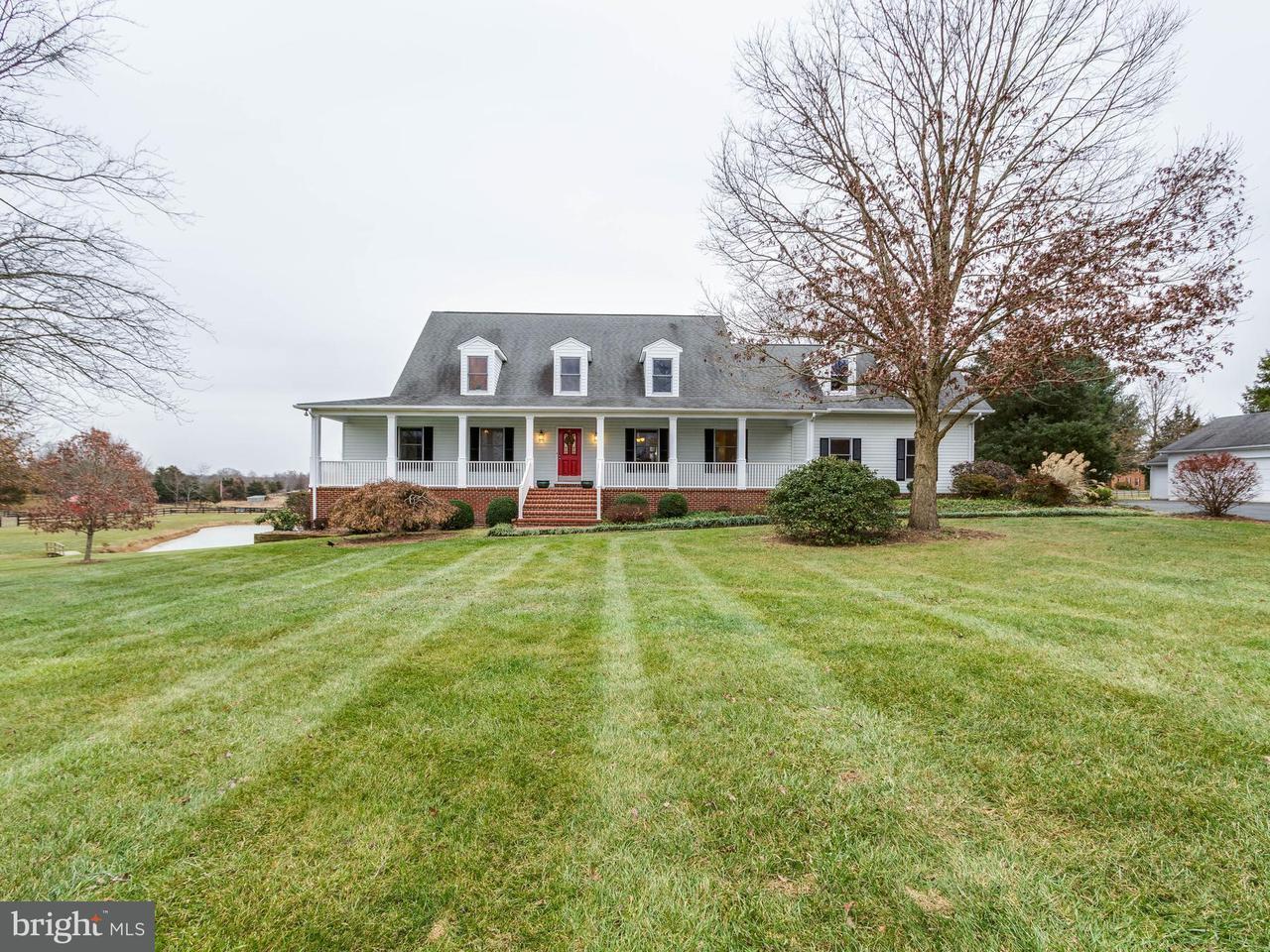 Einfamilienhaus für Verkauf beim 8107 Rogues Road 8107 Rogues Road Catlett, Virginia 20119 Vereinigte Staaten