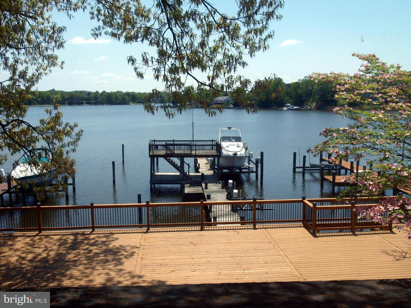 Single Family for Sale at 314 Greenland Beach Rd Curtis Bay, Maryland 21226 United States