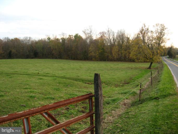 Additional photo for property listing at 3705 Sells Mill Road 3705 Sells Mill Road Taneytown, Maryland 21787 Stati Uniti