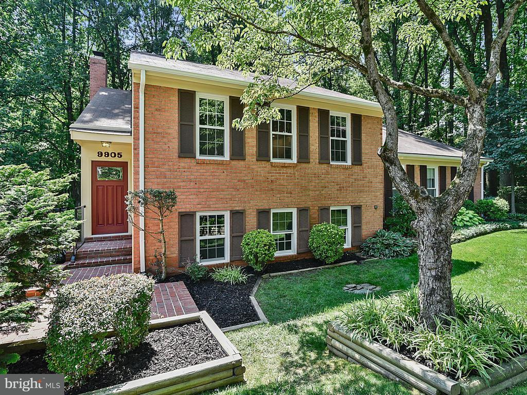 9905  HEMLOCK WOODS LANE, Burke, Virginia