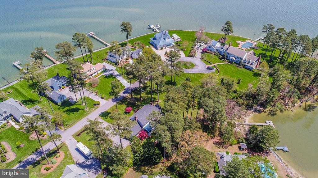 Single Family for Sale at 198 Kilmer Point Dr Urbanna, Virginia 23175 United States
