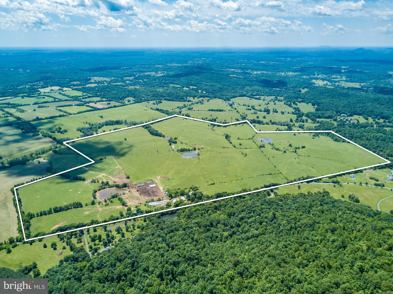 Additional photo for property listing at 10529 Hume Road 10529 Hume Road Marshall, Virginia 20115 Verenigde Staten