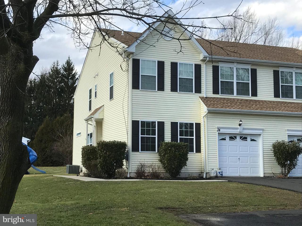 Casa unifamiliar adosada (Townhouse) por un Venta en 34 MAPLE Avenue Line Lexington, Pennsylvania 18932 Estados Unidos