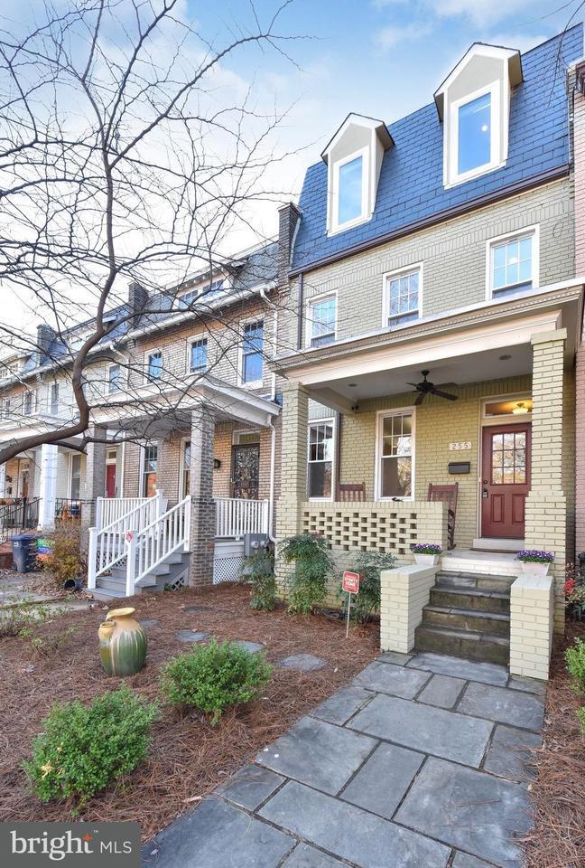 Casa unifamiliar adosada (Townhouse) por un Venta en 255 Kentucky Ave Se 255 Kentucky Ave Se Washington, Distrito De Columbia 20003 Estados Unidos