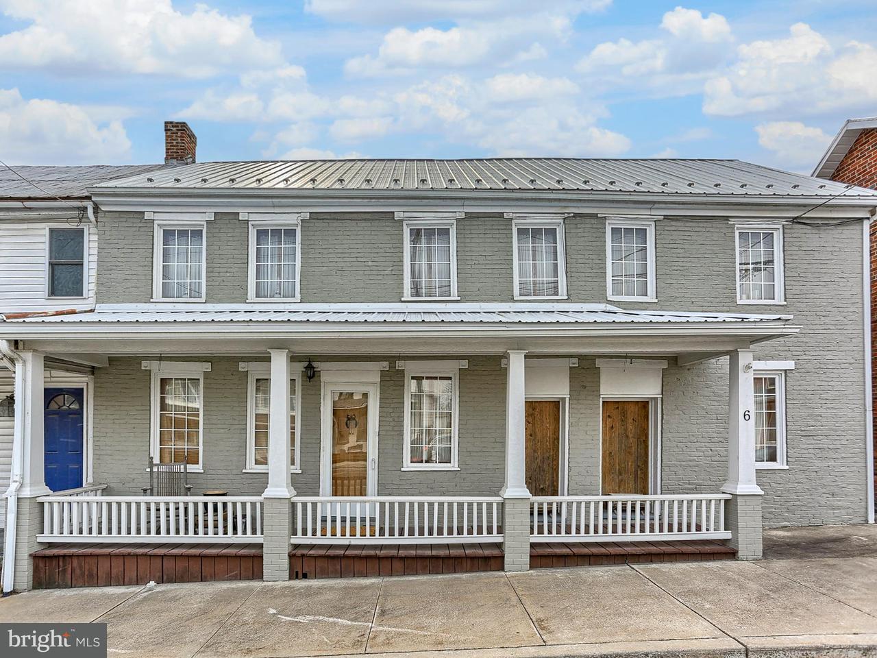 Single Family for Sale at 6 Main St E Newburg, Pennsylvania 17240 United States