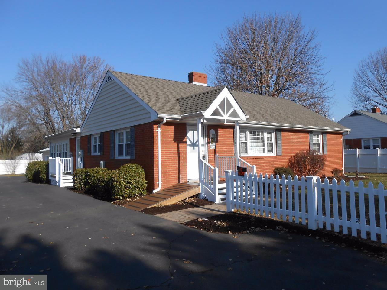 独户住宅 为 销售 在 8756 Signal Hill Road 8756 Signal Hill Road 马纳萨斯, 弗吉尼亚州 20110 美国