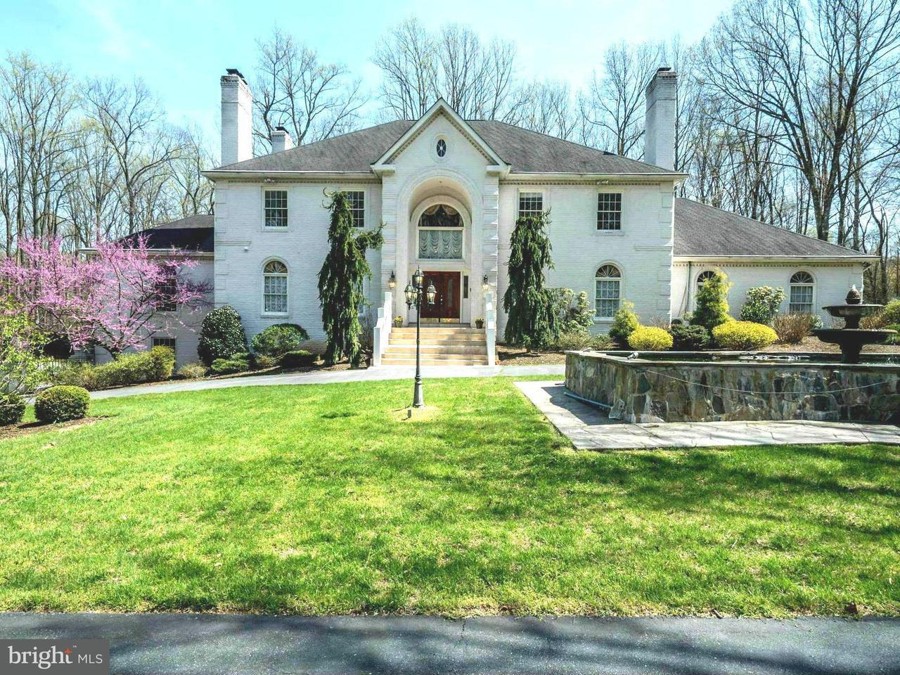 独户住宅 为 销售 在 17517 Sir Galahad Way 17517 Sir Galahad Way Ashton, 马里兰州 20861 美国