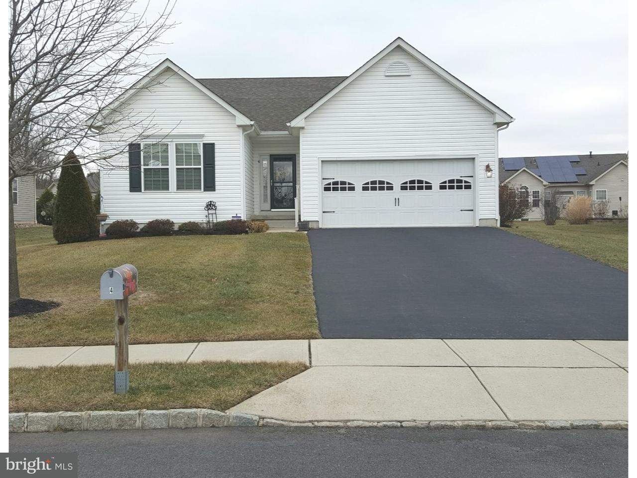 Частный односемейный дом для того Продажа на 4 WEBBER Court Florence, Нью-Джерси 08518 Соединенные Штаты