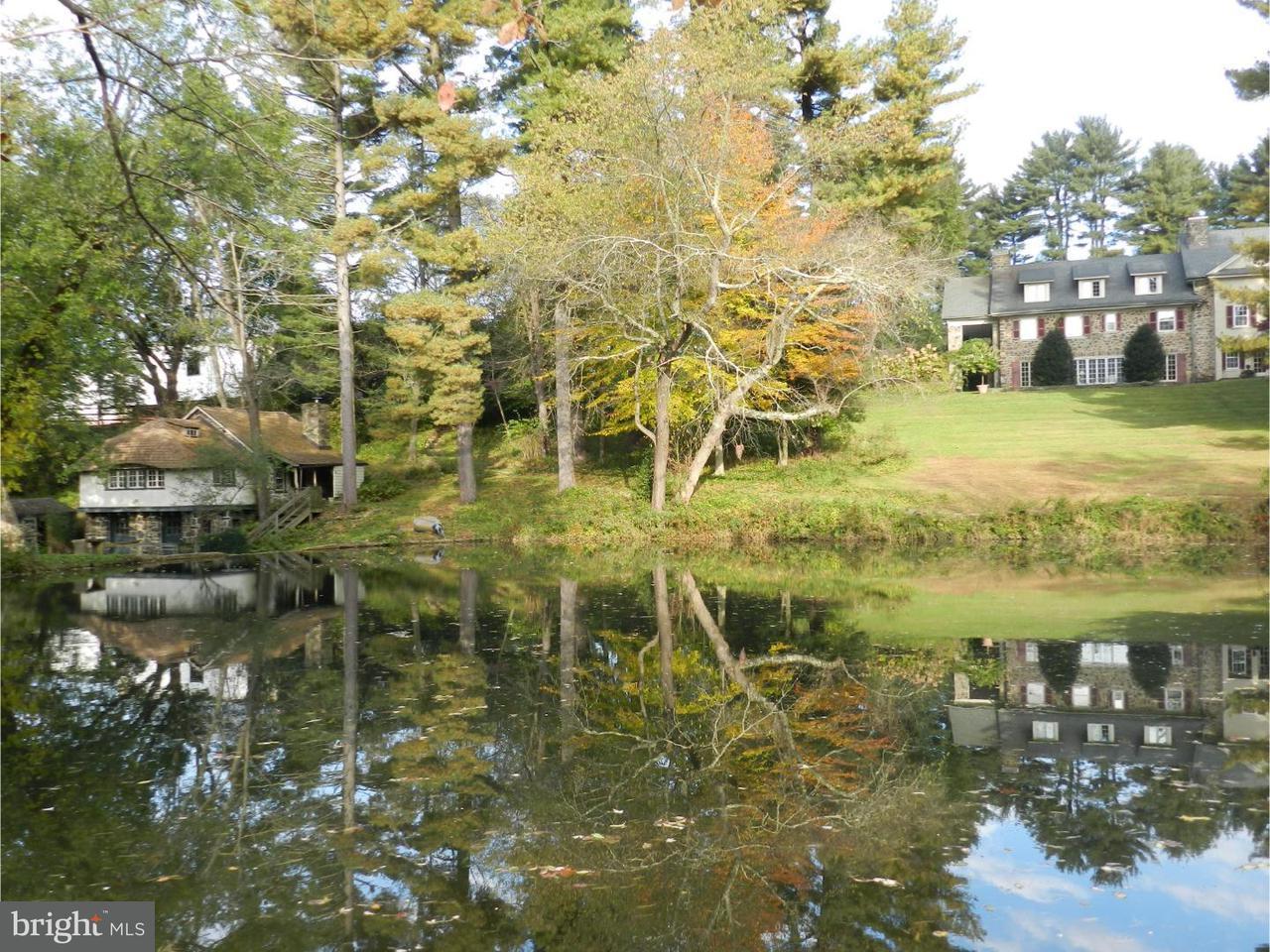 Maison unifamiliale pour l Vente à 2405 WHITE HORSE Road Berwyn, Pennsylvanie 19312 États-Unis