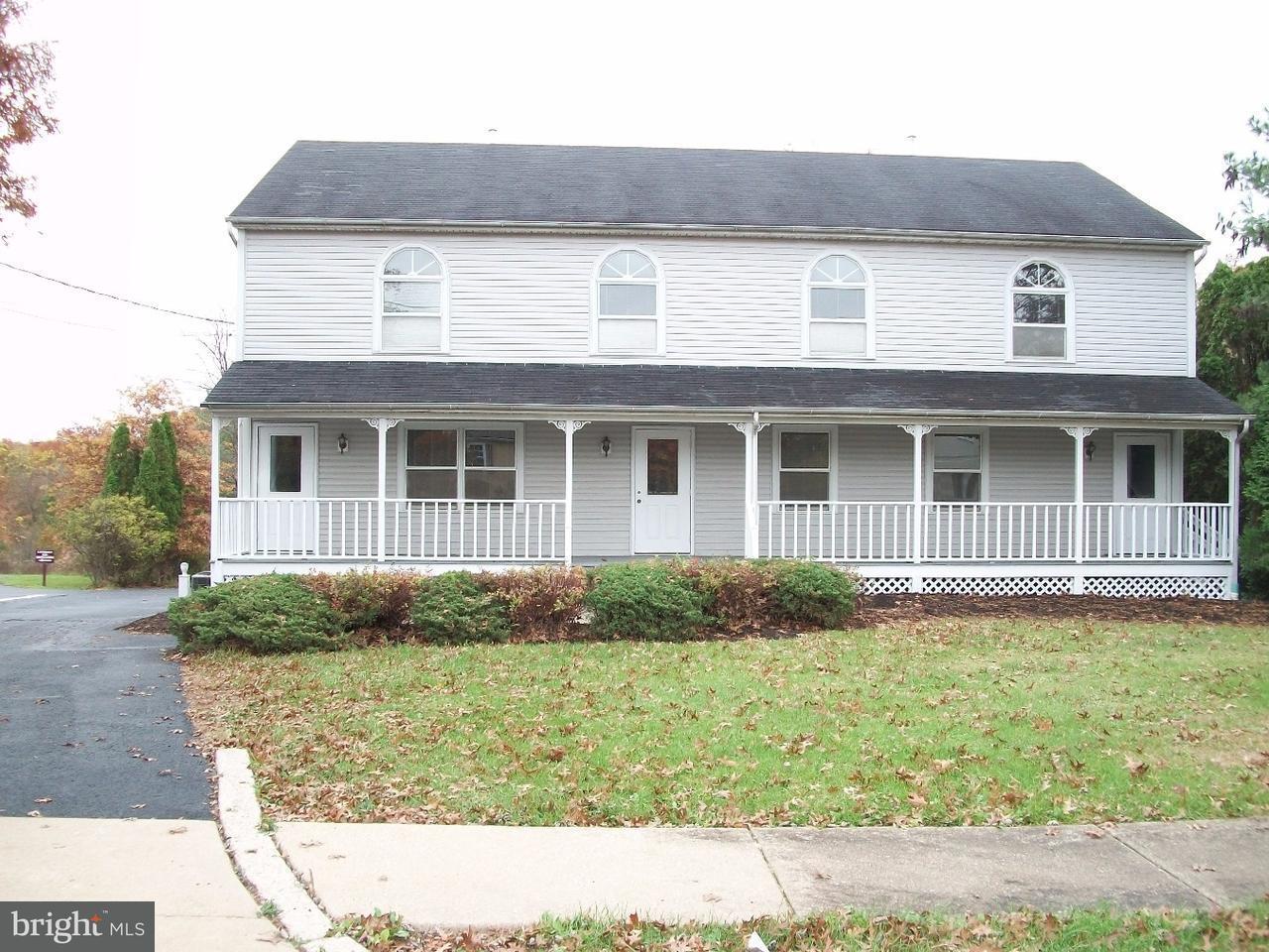 独户住宅 为 销售 在 2321 N BROAD Street Colmar, 宾夕法尼亚州 18915 美国