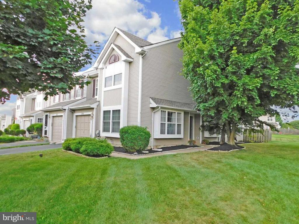 274 SEQUOIA DR, Newtown PA 18940