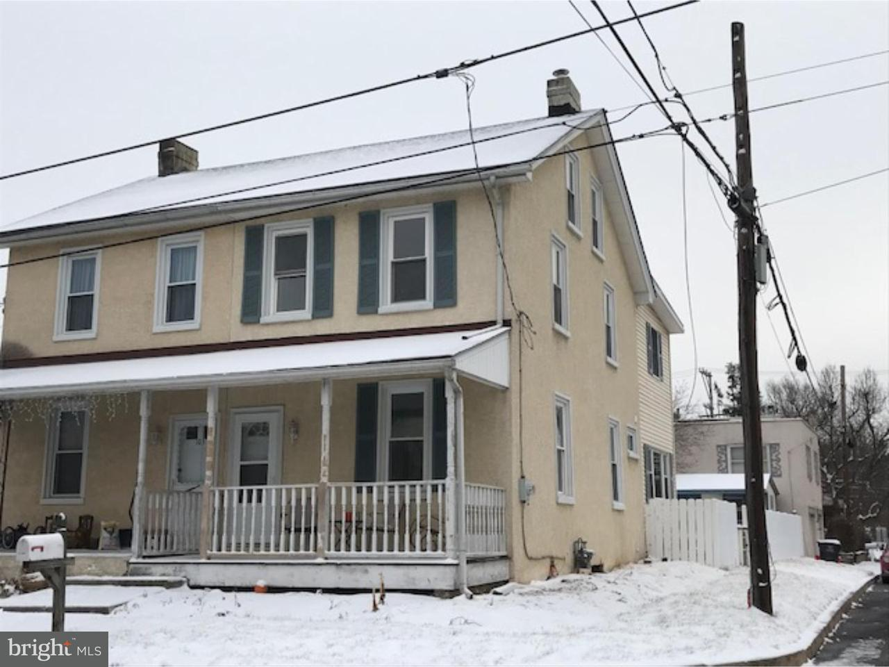 Townhouse for Rent at 101 2ND Avenue Mont Clare, Pennsylvania 19453 United States