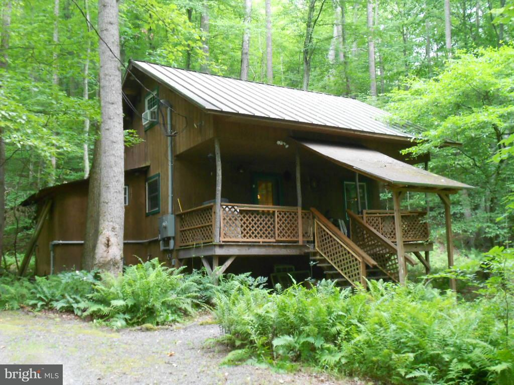 Photo of home for sale at 653 Courtney Hollow Lane, Madison VA