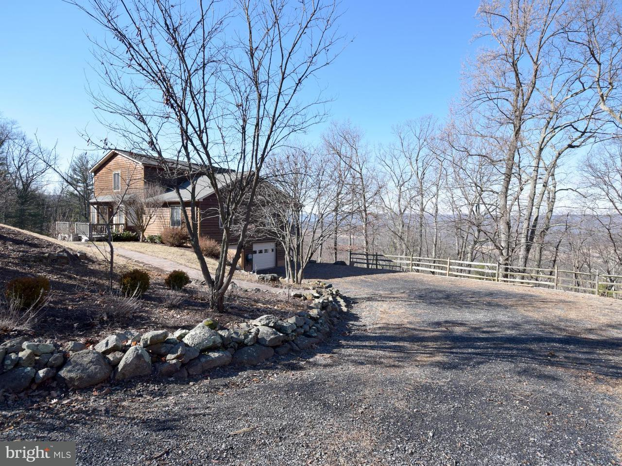 Single Family Home for Sale at 737 Seven Oaks Drive 737 Seven Oaks Drive Bentonville, Virginia 22610 United States