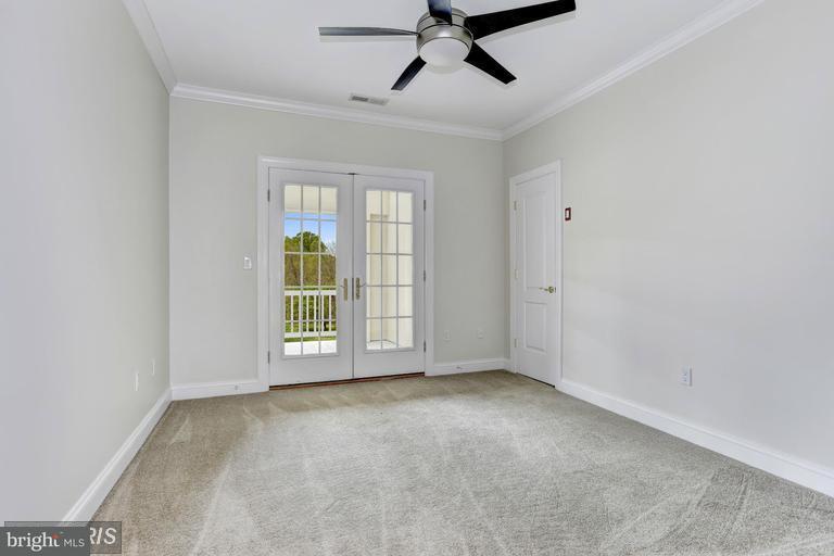 Maison unifamiliale pour l Vente à 206 Mt Zion Marlboro Road 206 Mt Zion Marlboro Road Lothian, Maryland 20711 États-Unis