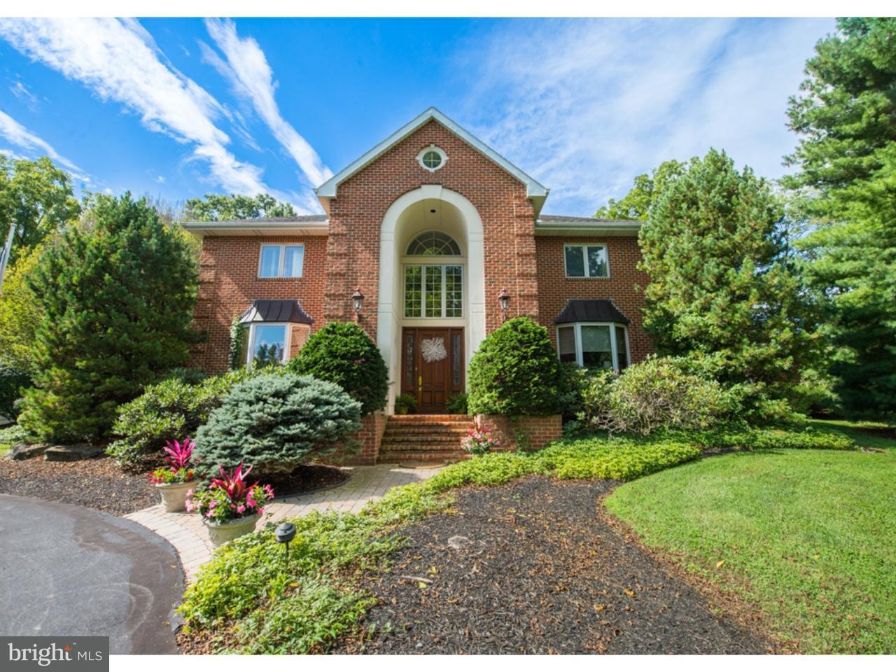 独户住宅 为 销售 在 1902 WOODS HOLLOW Lane Allentown, 宾夕法尼亚州 18103 美国