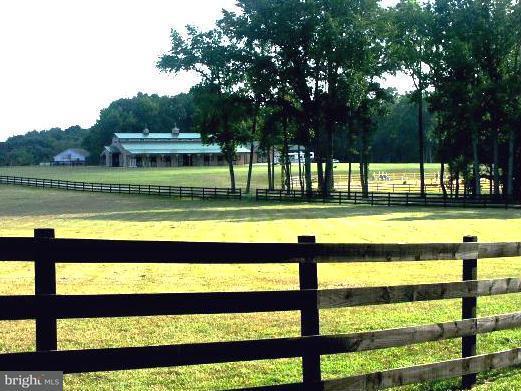 農場 為 出售 在 20479 Willows Road 20479 Willows Road Lexington Park, 馬里蘭州 20653 美國