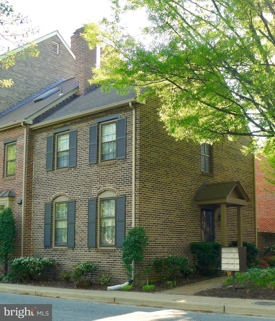 Other Residential for Rent at 1208 Abingdon Dr Alexandria, Virginia 22314 United States