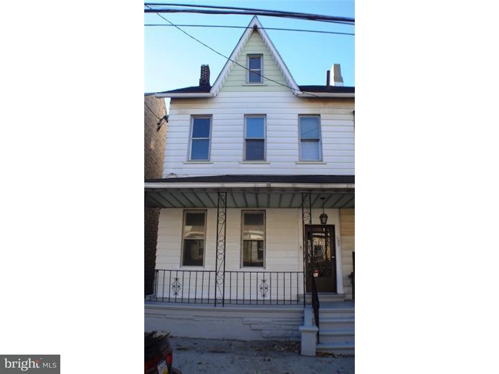 联栋屋 为 出租 在 127 S 13TH ST ##1 伊斯顿, 宾夕法尼亚州 18042 美国