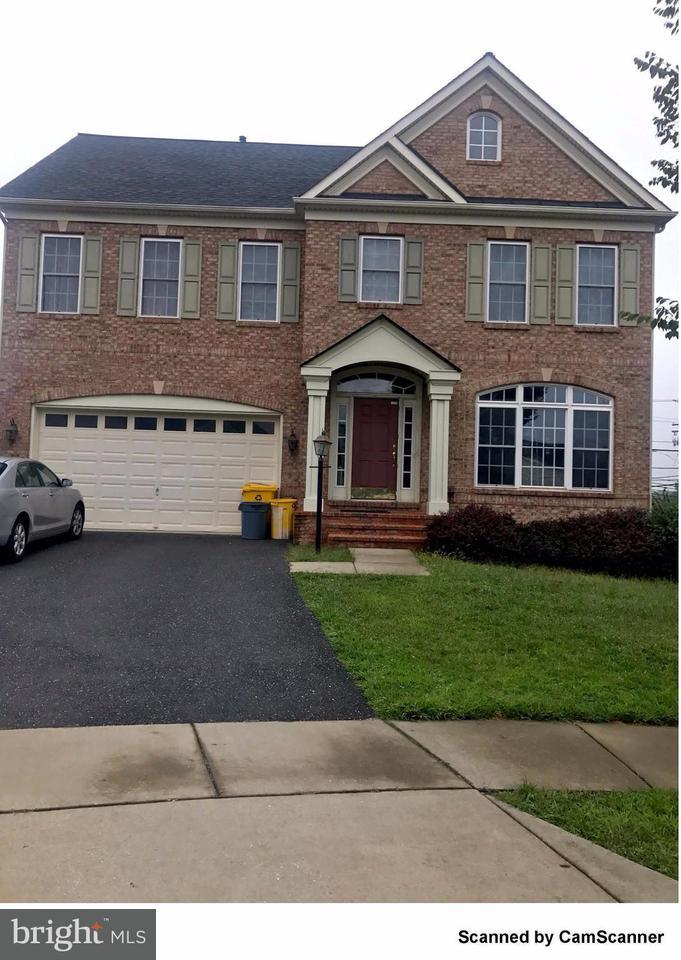 一戸建て のために 売買 アット 7715 Hennepin Court 7715 Hennepin Court Hanover, メリーランド 21076 アメリカ合衆国