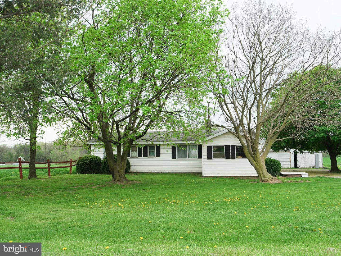 Single Family for Sale at 30 County Line Ln Newburg, Pennsylvania 17240 United States