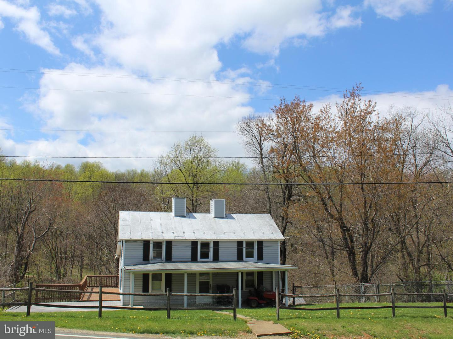 Farm for Sale at 58 Chester Gap Rd Chester Gap, Virginia 22623 United States